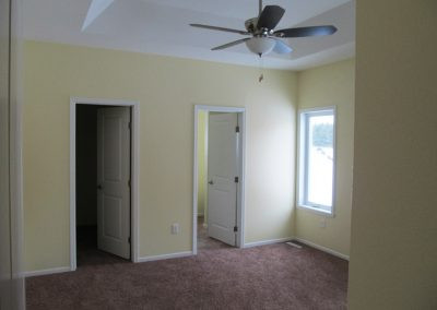 Bedroom-with-ceiling-fan