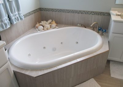 master-bathroom-jacuzzi-tub