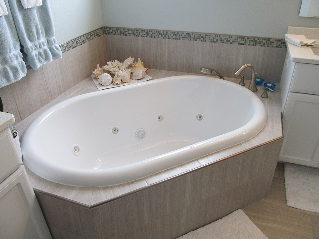 Jacuzzi Tub In RCH Home