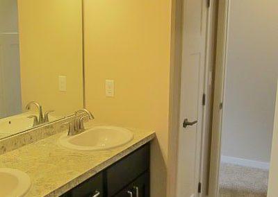 15817 Bathroom
