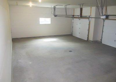 15817 Garage